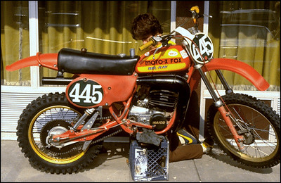 Re-jetting my Maico 250 at the Motel 6.