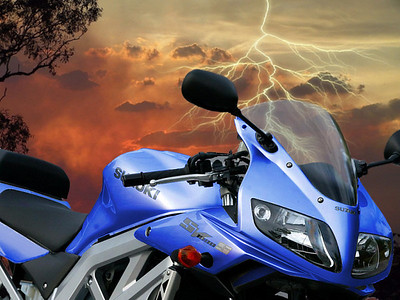 Blue SV1000 lightning photoshop image AndyW