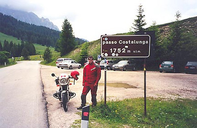 June 29, 1999 - Passo Costalunga, Italy.  Passo Costalunga (1752 m asl) is located on route  241. Just west of the pass, one has the option of taking the road over the Nigerpass by turning right at the fork in the road or by continuing on route 241 and taking the scenic road along the Eggental into the town of Bolzano a.k.a. Bozen.
