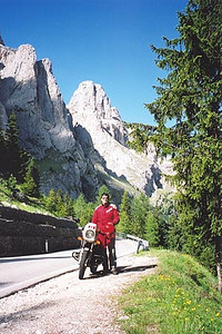 June 16, 2000 - Passo Sella, Italy.  The road leading out of Canazei, Italy takes you either to Passo Sella or Passo Pordoi depending on which fork in the road you take. Turning left takes you up to Passo Sella. This photo was taken between the split in the road and Passo Sella.