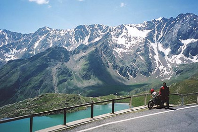 June 22, 2000 - Passo di Gavia, Italy.  The view just prior to reaching the top of Passo di Gavia from the south.