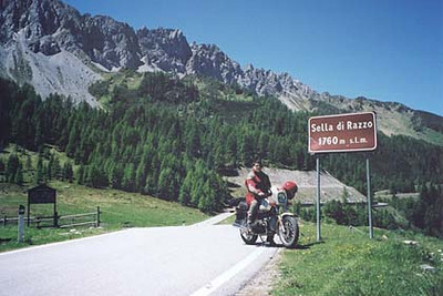 June 11, 2002 - Sella di Razzo, Italy.  After my run down the gravel road to Forcella Lavardet and back to the intersection in the road, another four kilometers south and you'll come across Sella di Razzo (1760 m asl). Another few kilometers from Sella di Razzo and you'll come across Valico di Cima Ciampigotto (1797 m asl) on route 619 while heading towards the town of Lozzo di Cadore.