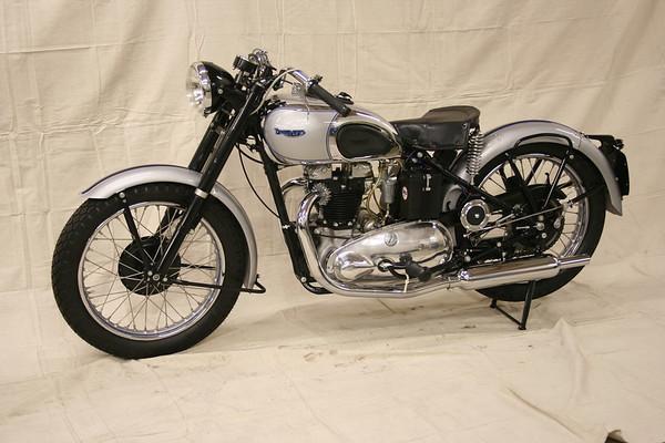 1947 Triumph T100