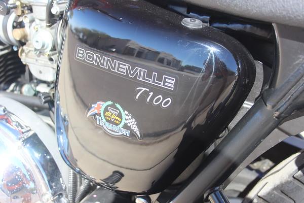 2002 Triumph T100 100th Anniversary