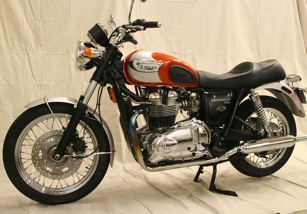 2002 Triumph T100 Bonneville 100th Anniversary