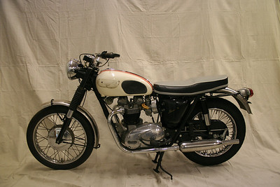 1966 Triumph T120R Bonneville (Cooley)