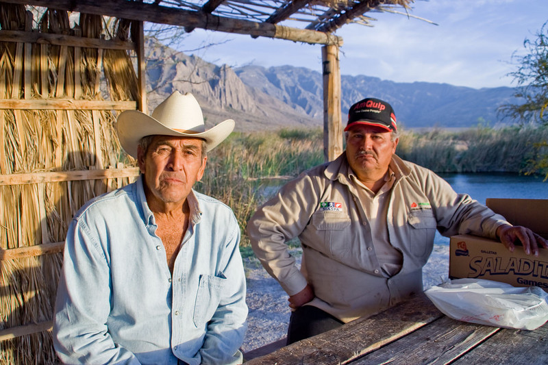 Raul & Jose, after sharing tortillas & sandwiches