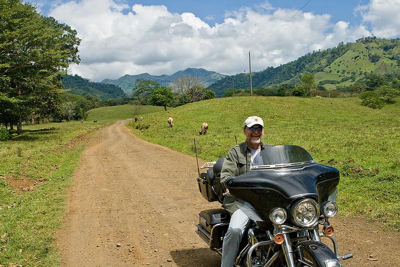 Road to Poza Reyna