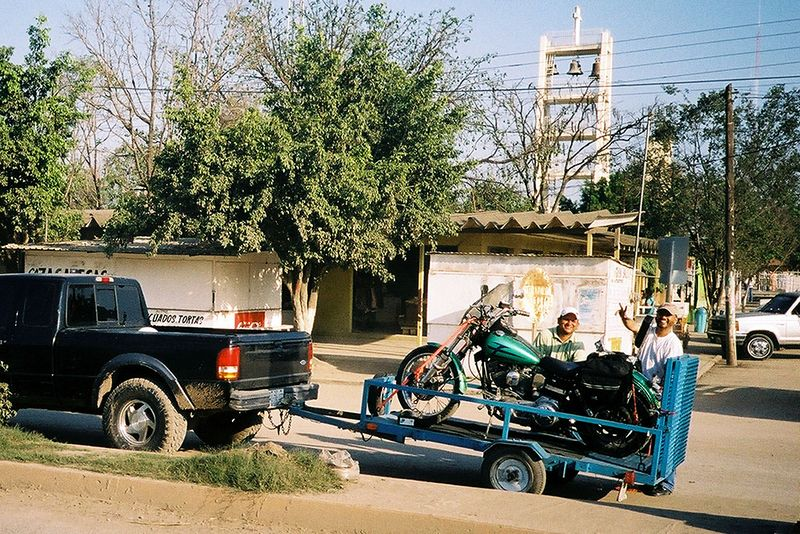 Hugo and Evan load the Green Hornet (with blown tranny) in El Naranjo for the run to the border, Reynosa and McAllen