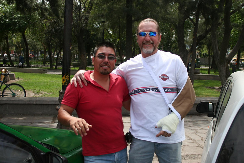 Clayton & our taxista, San Luis Potosi.  Clayton flies back to the States to get his wing mended.