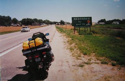 Henry, Nebraska, WY line, hwy 26, july 25, 2001