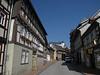 Stolberg (Harz), met hoop op de berg nog net zichtbaar het Stolberger Schloss<br /> Daar woonde Juliana van Stolberg.... die bekende waar zoveel straten in NL naar genoemd zijn<br /> Dat is dus de moeder van Willem van Oranje.<br /> Ja die figuur die in 1584 vermoord werd in Delft