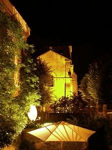 A l'Eglise hebben wij onze eerste slaapplaats, net ten zuidwesten van Clermont Ferrand in het vulkanische gebied aldaar. http://thezeiss.club.fr