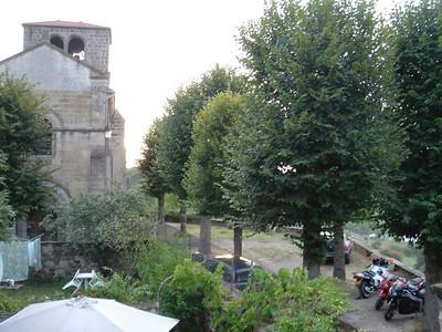 Deze keer maar 1 keer 1 bam van de kerk vroeg in de ochtend, 's nachts was ie stil. Tres bien...