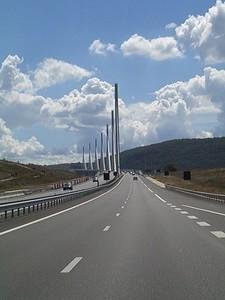 Le brug is niet recht...