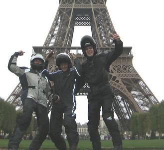 Viva les Motards a le Tour d'Eiffel!