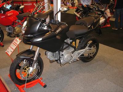 De Multistrada 650 dark, een Duc voor onder de 9000 euro