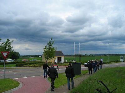 Op weg naar het andere tweewielavontuur. De groep weet nog niet wat ze gaan doen terwijl we hier op weg zijn naar de Sibbergroeve (net ten noorden van Valkenburg).