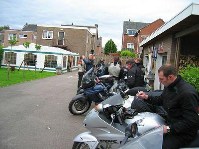 Motorisation arriveert bij Motorpension La Chaussée ( www.lachausee.nl ).