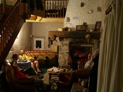 Bijkomen in de Chesterfields met stapels drijfnatte gore-tex voor de haard, wijntje erbij. Life can be good :-)