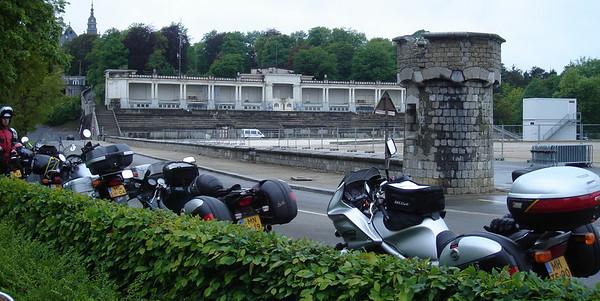Een prachtige omgeving rondom het slot bovenop de heuvel bij Namur.