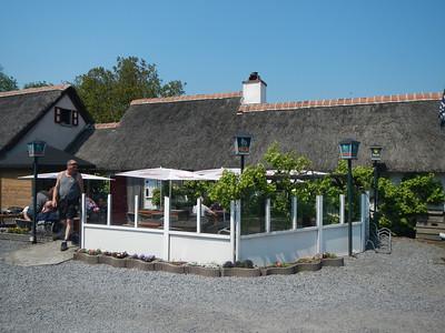Tweede stopplaats, Taverne 't Rieten Dakje in Kemzeke-Stekene.
