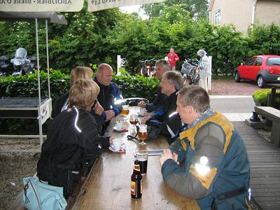 "Middagpauze in Cafe-Restaurant ""Het Loze Vissertje"" , zie   http://www.hetlozevissertje.nl/ (Foto Joannes)."
