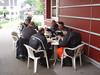 Bjorn, Luc, Robby, Eric B., Guido en Eric S. tijdens de middagpauze in Einruhr (Foto Patrick).