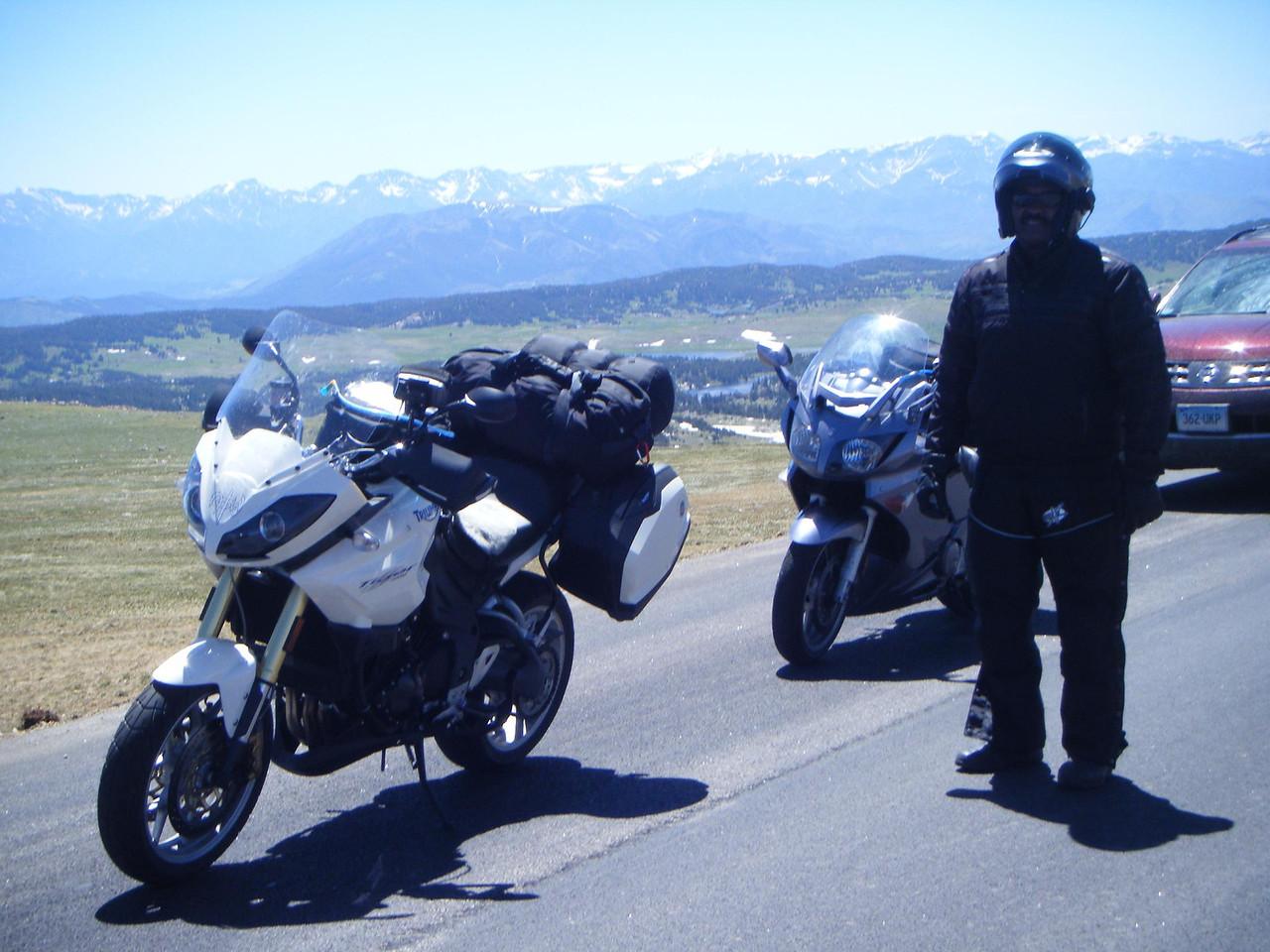 Beartooth Hwy  212 Mt/Wy traffic wait for road work