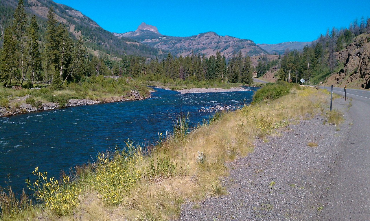 Yellowstone River along Chief Joseph Hwy into Yellowstone NP
