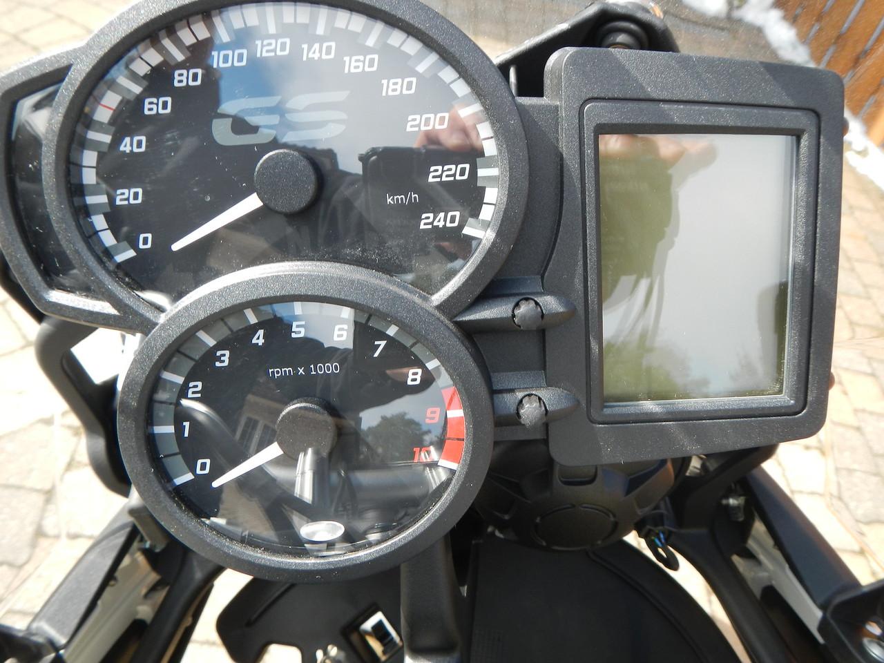 BMW F800GS model 2013. Instrumentenbord.