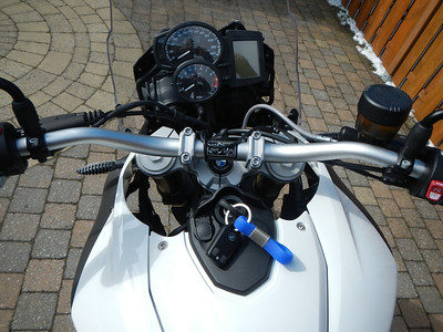 BMW F800GS model 2013. Stuur.