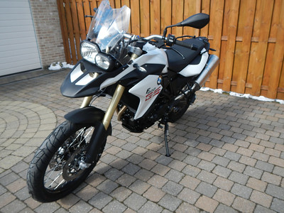 BMW F800GS model 2013. Links voor aanzicht.