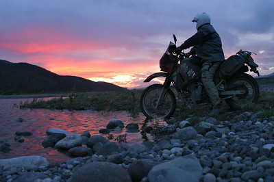 Peter Peil and a rare mid-summer Alaskan sunset along the Copper River on July 15, 2005. 1/45th at f3.5.