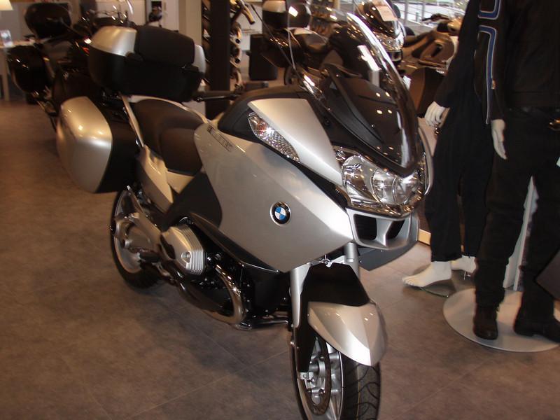 BMW R1200RT - Vooraanzicht schuin links.
