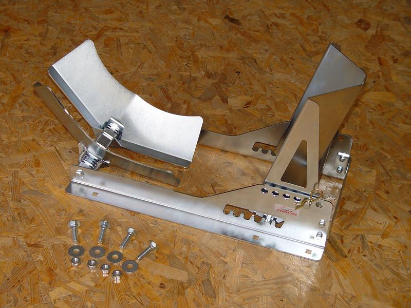 Steadystand Model 131 € 154,00 (Bandenboetiek).