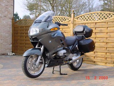 BMW R1150RT - Vooraanzicht schuin links