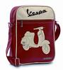 """Schoudertas Vespa 50 Rosso, € 39,00.<br /> gekocht bij Vespashop Kapellen, zie <a href=""""http://www.vespashop.be"""">http://www.vespashop.be</a>"""