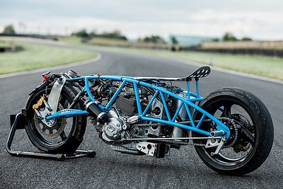 Bernard Mont's experimental 'Nowhere Faster' sprint racer.