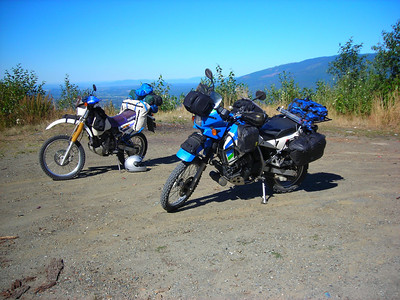 Bikes at FR17 Overlook
