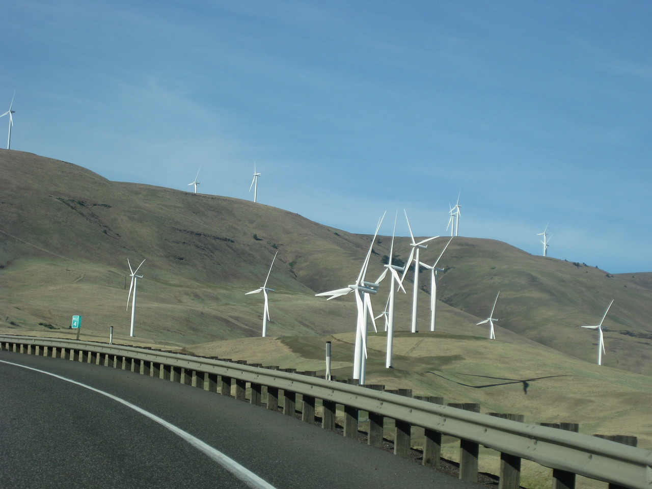 Wind farm on the Columbia River Gorge on the way to Grass Valley.