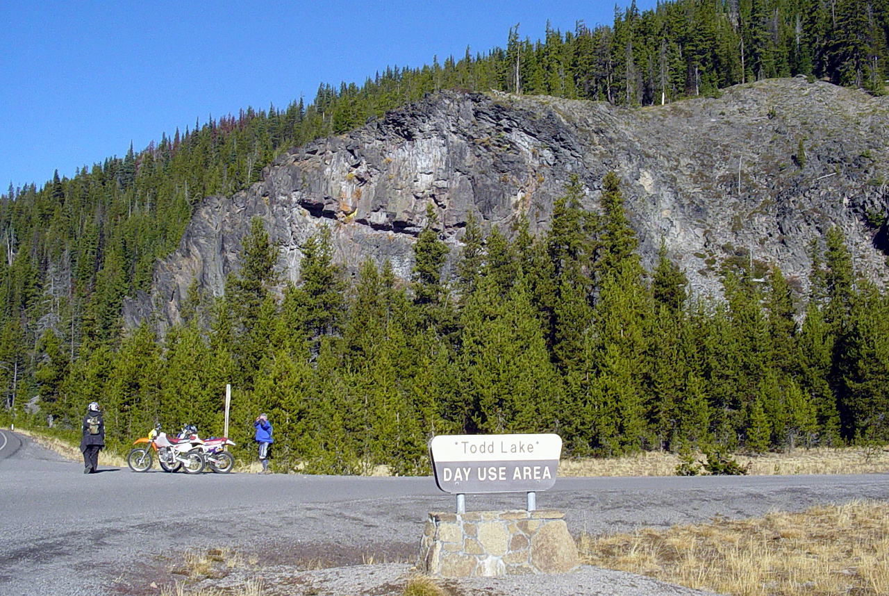 """<font size=""""+2"""">There was no shortage of cool rock formations all along this ride.."""