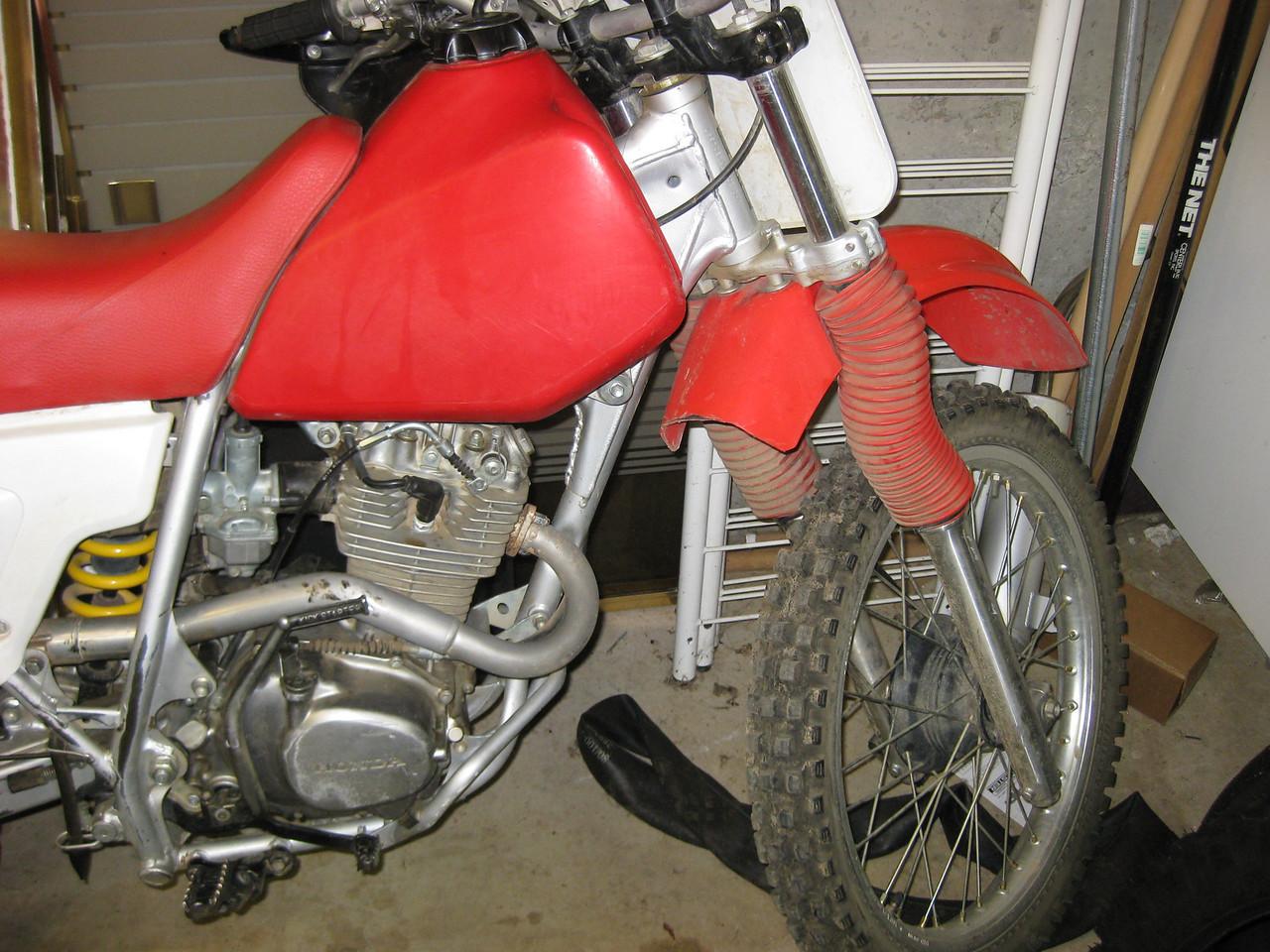 2001 XR200R front half