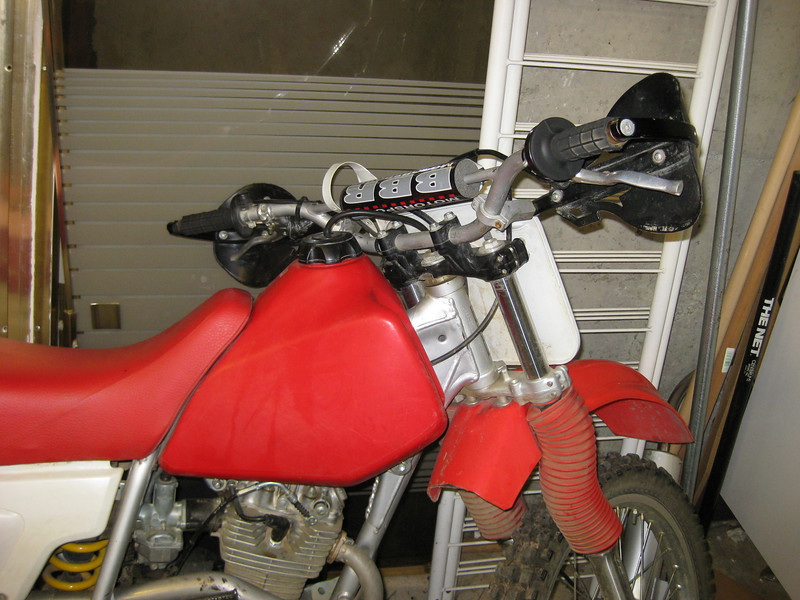 2001 XR200R tank and bars