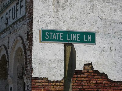 """After checking into a hotel in Lakeview, I head out to start the first section of the route, which means heading into California, then further East..  How do you know you're in California?  Well, """"State Line Ln"""", sure seems like a clue..."""