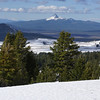 Mt Thielsen to the north.