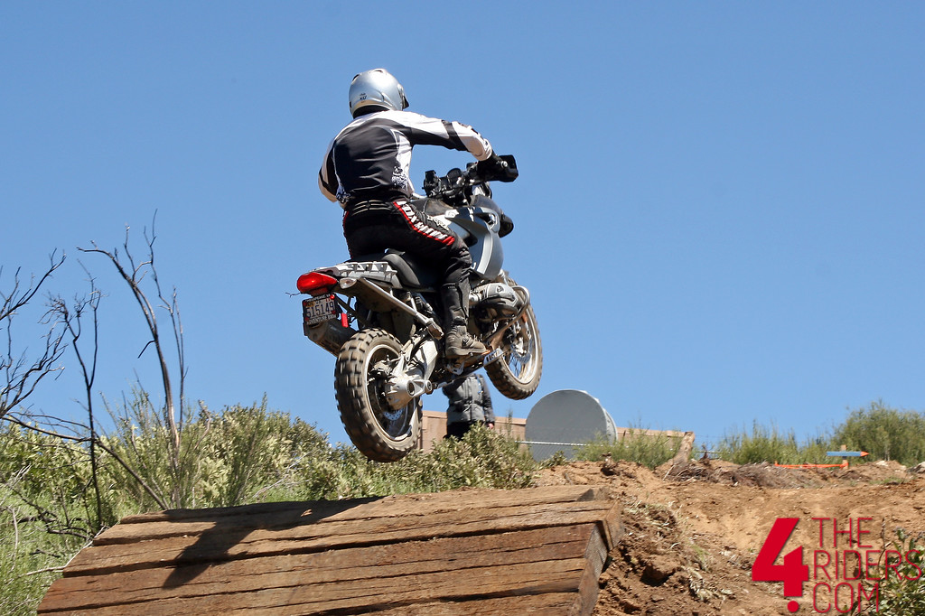 bmw gs jumpinh up step up railroad ties