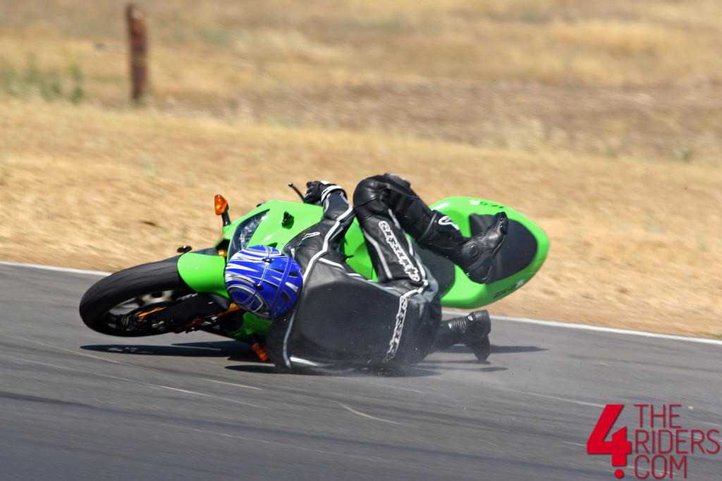 kawi crash lowside thunderhill turn 6