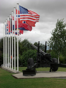 tributo alle Nazioni che hanno perso propri giovani durante lo sbarco in Normandia