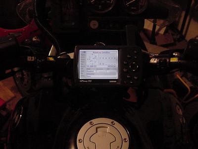 Alu_bracket_14_GPS_unit_in_place_back_lit